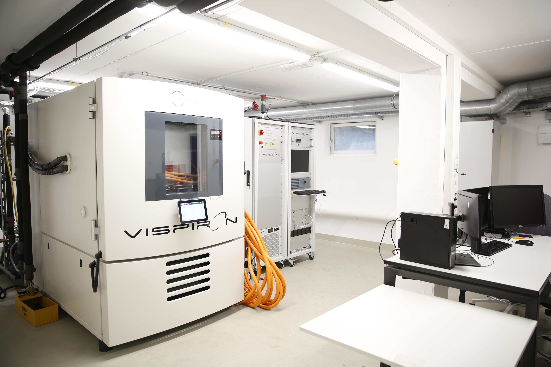 Gesamtanlage Hochvolt Labor VISPIRON SYSTEMS zum Test für Leistungselektronik